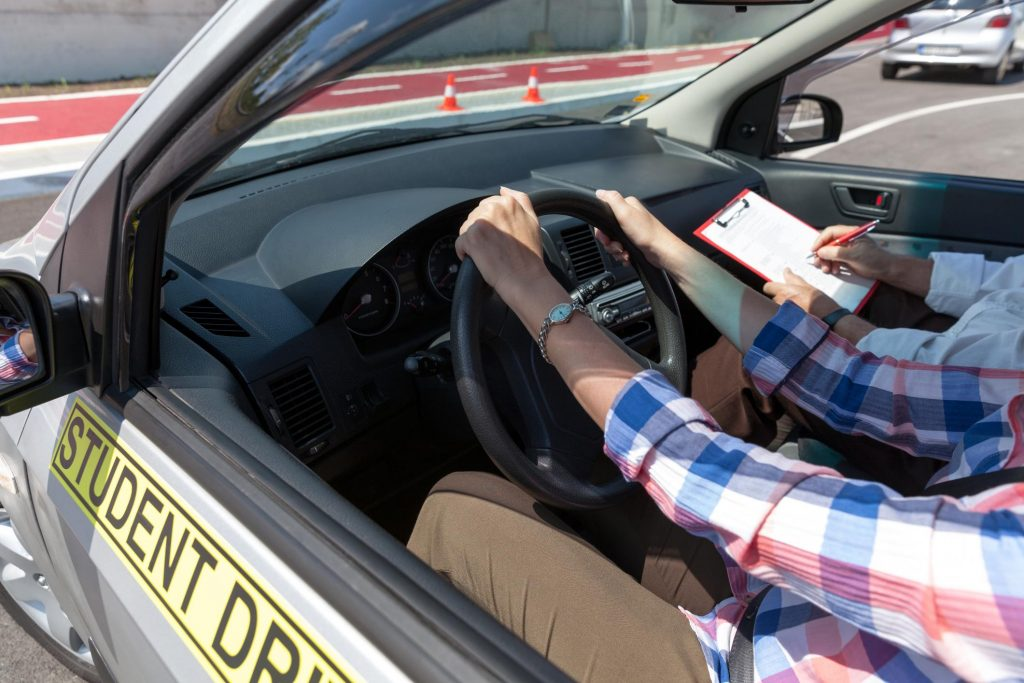 Manual Driving Lessons >> Rockingham Driving School Automatic And Manual Driving Lessons
